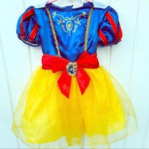 Disney Snow White Princess Costume / Dress Up